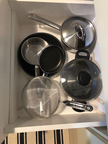 pan, saucepan, and strainer