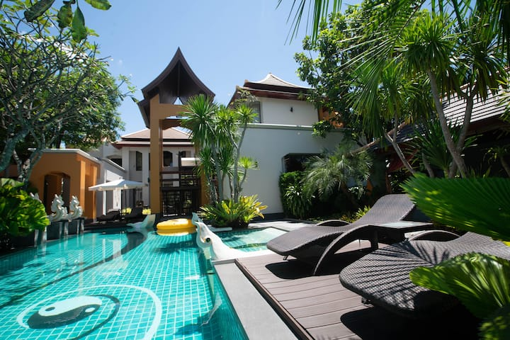 Luxury Swimming Pool Villa 2living rooms 5Bedrooms