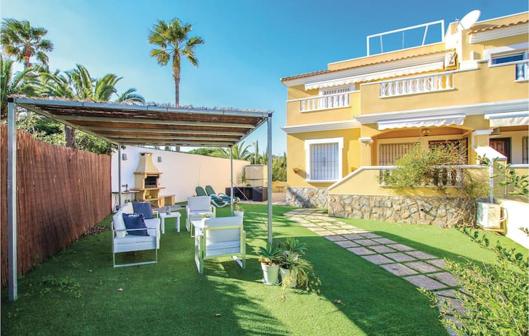 Holiday apartment with 3 bedrooms on 72m² in Orihuela Costa