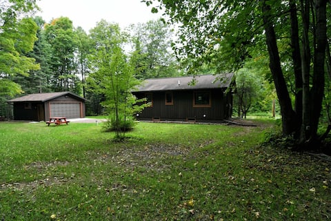 Arrowwood Lodge - Perfect for Couples - Hosted by North Country Vacation Rentals