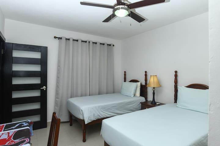 Guest Bedroom 3 - Twin Beds