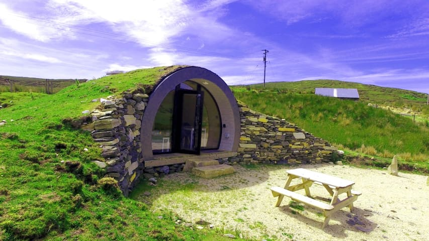 Cropod - 'Best Get Away in Ireland' Hobbit Pod