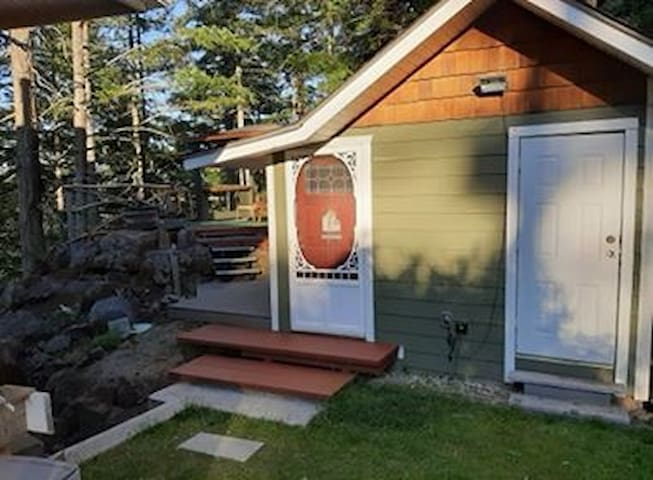 Tin Fish Tiny Home- Quadra Island