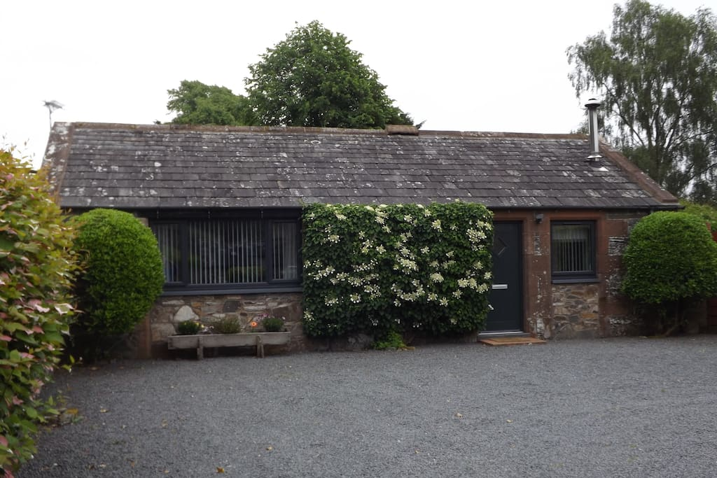 Wee Glebe Luxury Converted Stable With Hottub Cottages