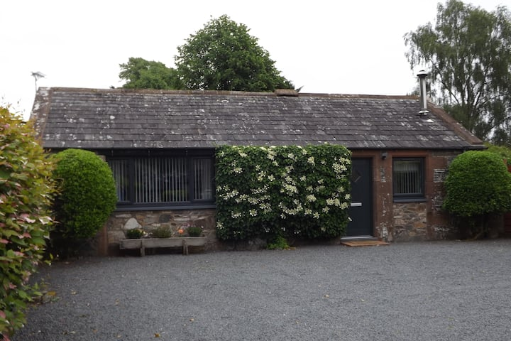 Wee Glebe Luxury Converted Stable With HotTub.