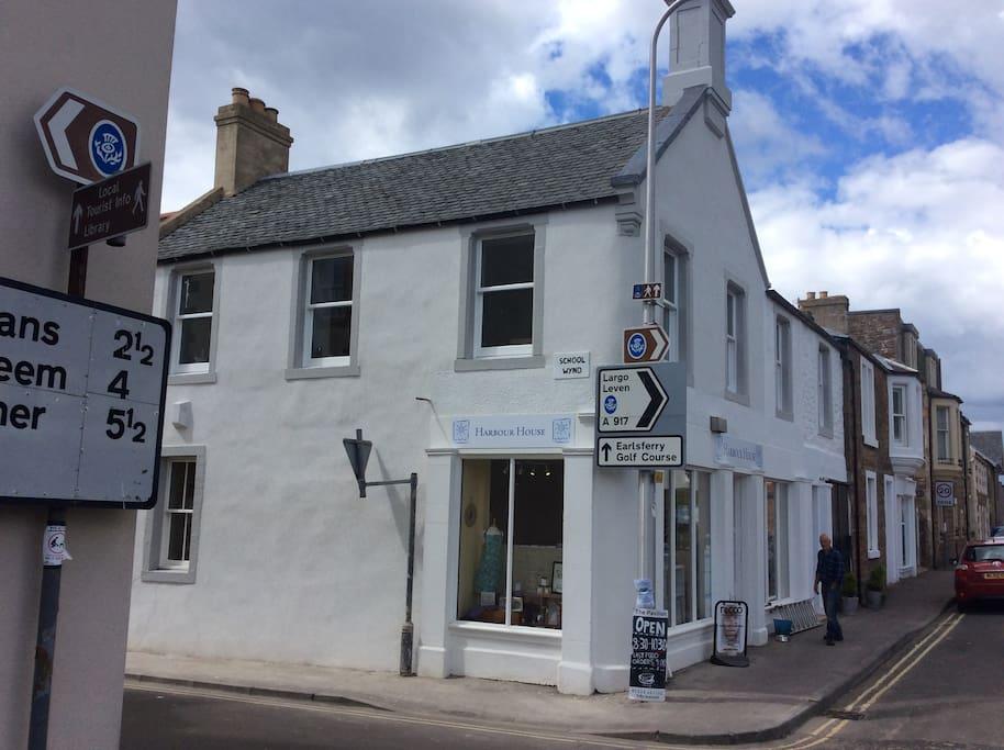 Bank Street Elie