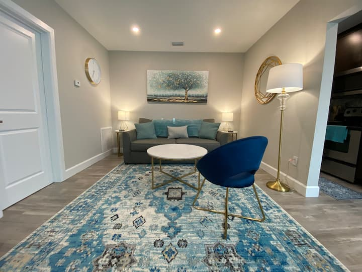 Cozy, Luxury Apartment in North Miami Beach