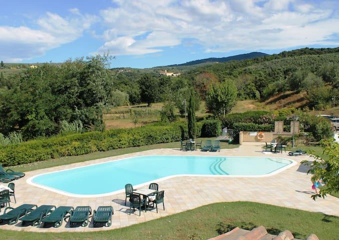 Appartamento vicino Firenze - 4 persone - Capraia e limite - อพาร์ทเมนท์