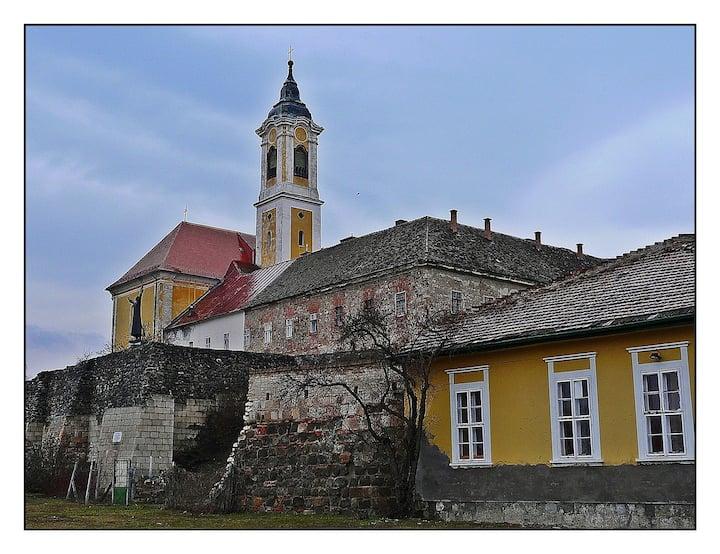 Vác, Castle Wall House