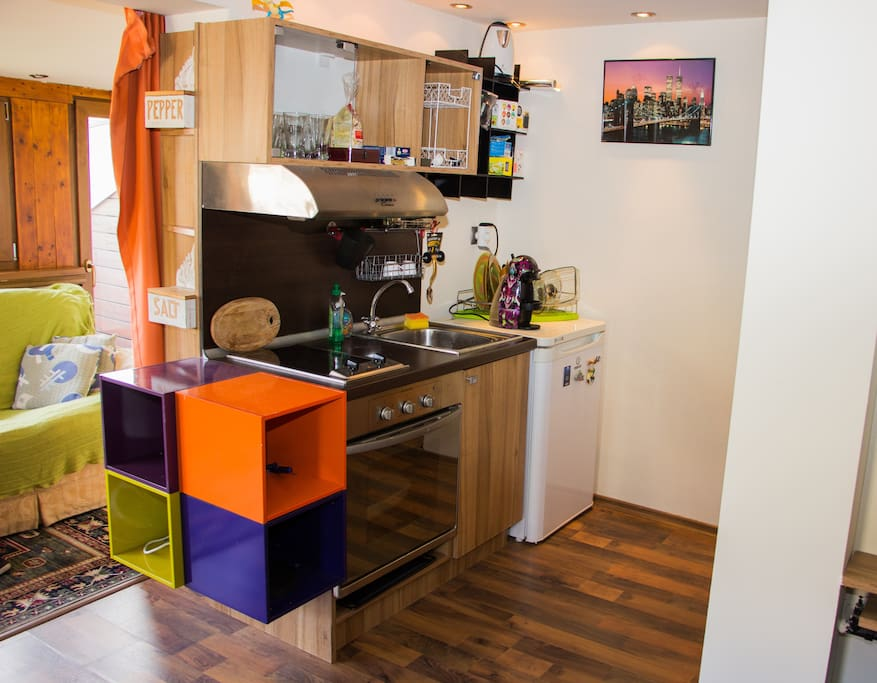 The kitchen. Includes a fully stacked coffee machine