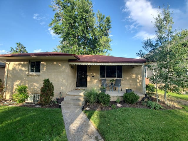 Mid-Century Ranch with Updated 2BR Basement & Bath