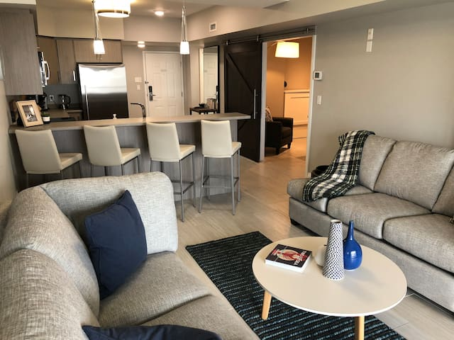 Long Point Condo - 2+1 Bedroom / Beach / Sleeps 5