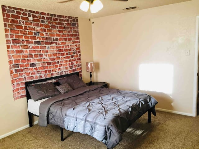 Very Clean and Comfortable Single Room
