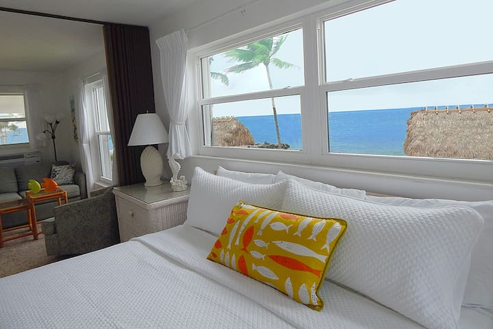 Oceanfront Sunrise Condo Private Beach Heated Pool