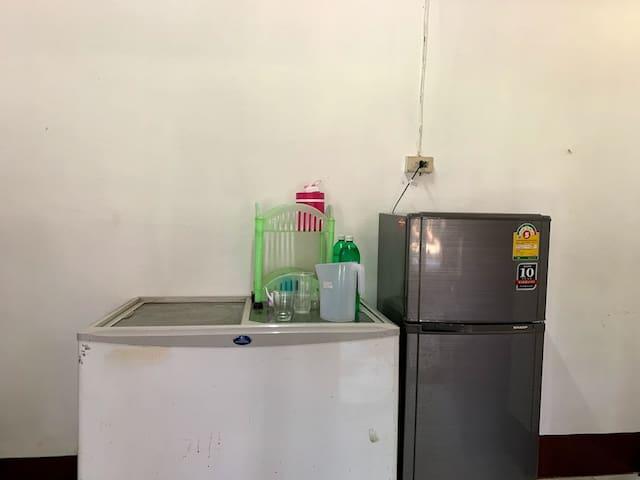 ห้องครัว ชุดทำครัว ตู้เย็น สามารถใช้ประกอบอาหารได้ค่ะ