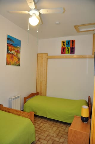 Chambre 3 (2 lits simples).