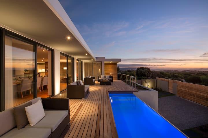 Waterline Beach Front Luxury Rental in Cape Town