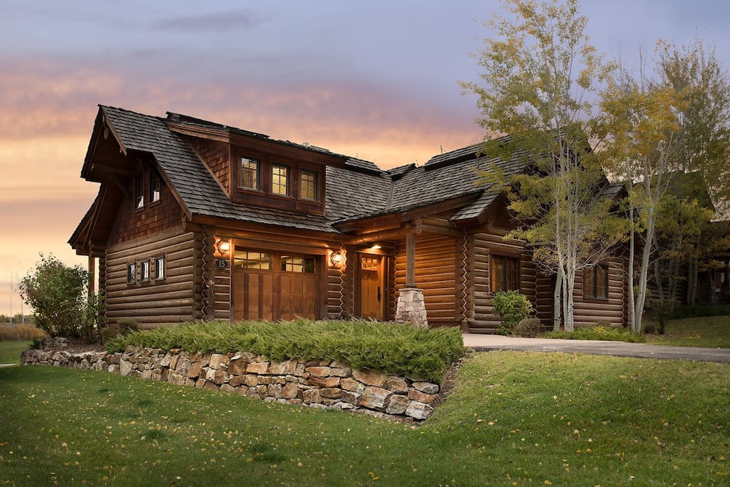 Teton springs lodge with private hot tub cabins for rent for Teton cabin rentals