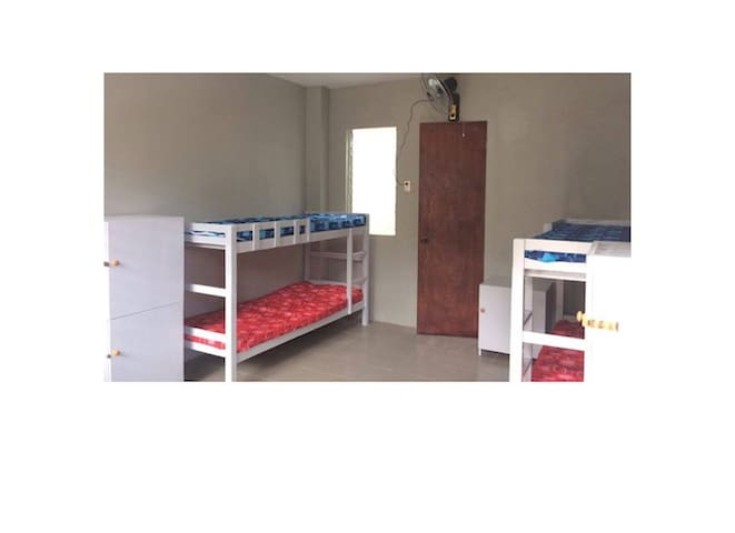 Perez Guesthouse - Cidade de Mandaue - Apartamento