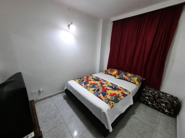 Habitacion privada con baño compartido
