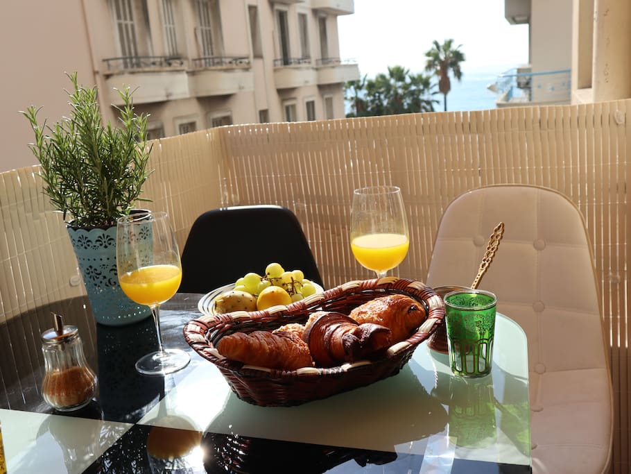 Your holidays start with croissants and coffee on sunny terrasse - petit déjeuner en terrasse ensoleillée