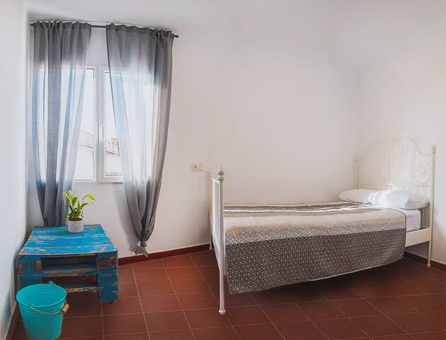 New 3- rooms apartments in Lloret for 1-8 pers