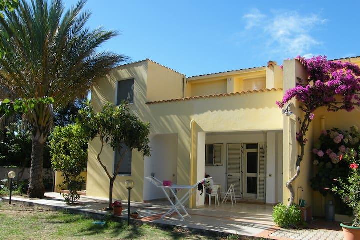 Hibiscus, appartement 5 personnes, à la mer - Capo Comino