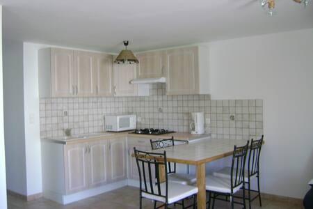 studio sous villa - La Penne-sur-l'Ouvèze