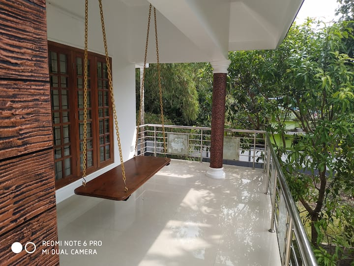 SOORYA HOME STAY , A/C ,DOUBLE With Balcony