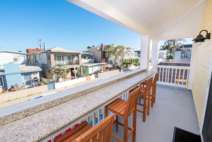 New Listing! Sunny Family Beach Vacation Home - Upstairs Unit