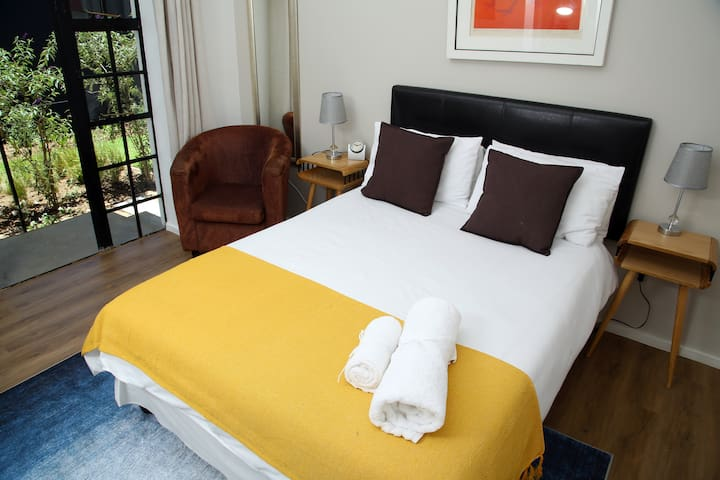 Stylish, Secure Suite in Garden Oasis Sandton CBD