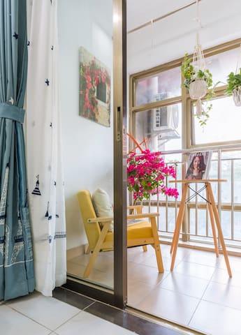 北大文艺女孩的意大利西西里小岛风情独立公寓/拱北口岸/暨大/城轨明珠站/沃尔玛