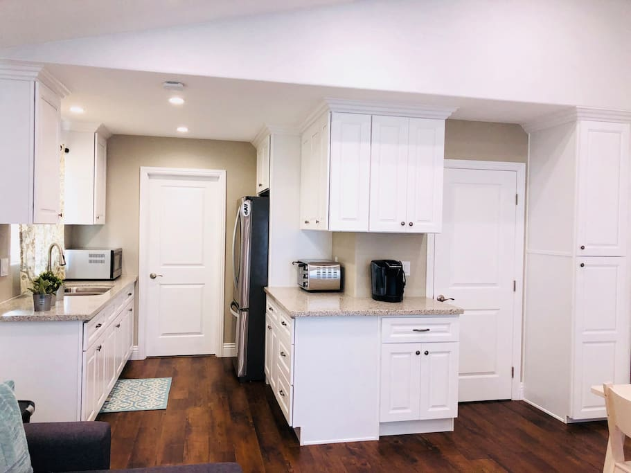 Kitchenette, Walk-In Closet, & Linen Cabinet