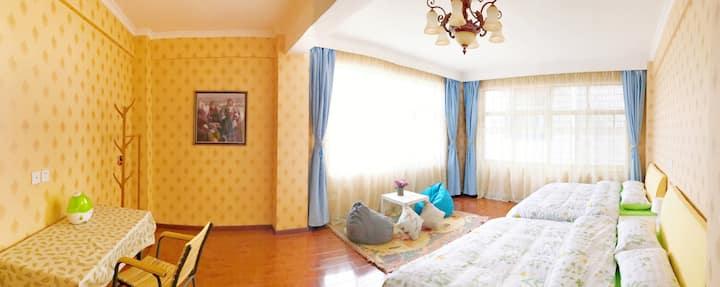 拉萨扎基寺祈福 阳光独家小院(含暖气)阳光清新大床标间