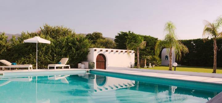 White Diamond Villa with pool and Sea View!