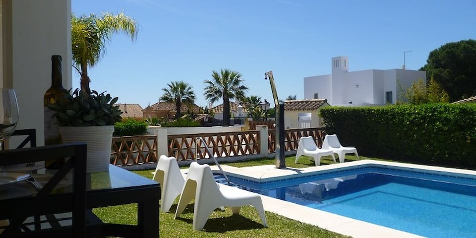 House w/ pool -150 m from the beach - Marbella - Ev