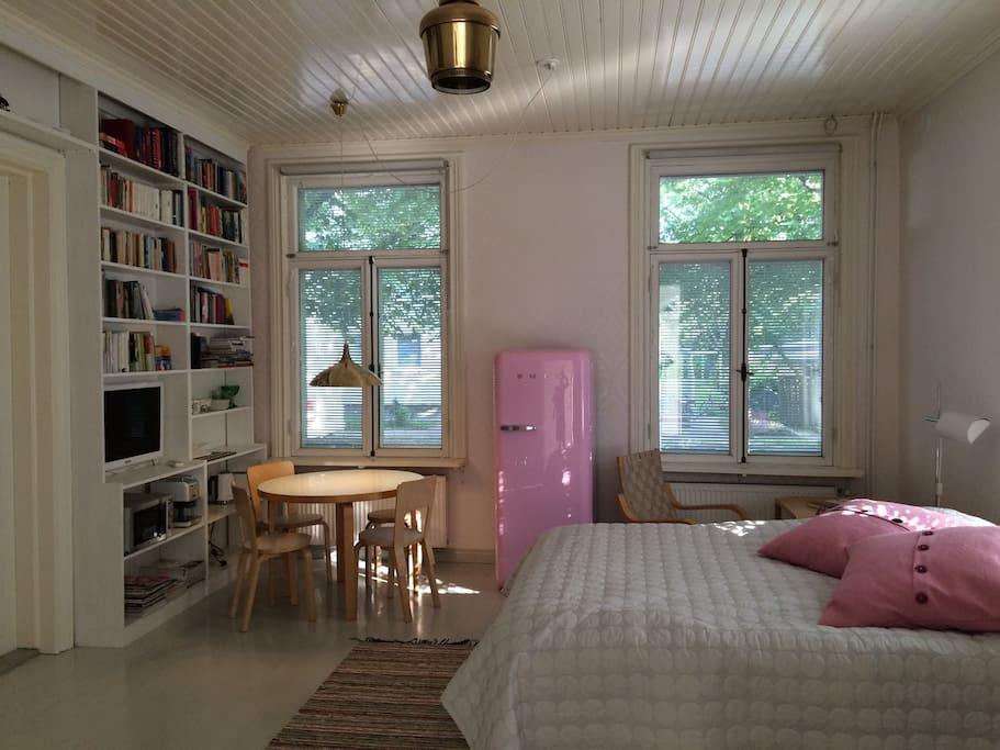 Beautiful room full of Finnish design classics.
