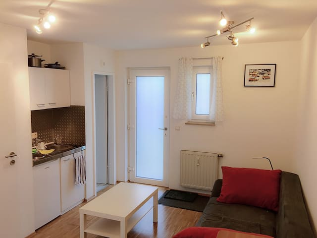 Modern and quiet apartment close to the center - Aken - Appartement