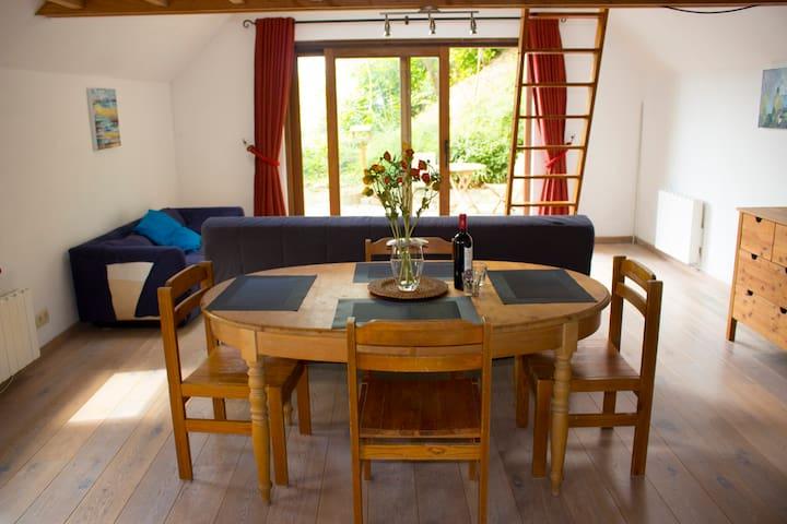 Studio confortable et bien aménagé. - Ottignies-Louvain-la-Neuve - Appartement