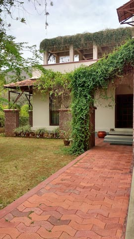 AC Bed&Breakfast - Vellore - 一軒家