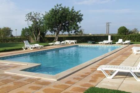 Casa Algarvia, em Pera, um pequeno paraiso - Pêra