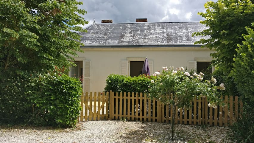 Terrasse privée et entièrement cloturée - sans vis-a-vis!