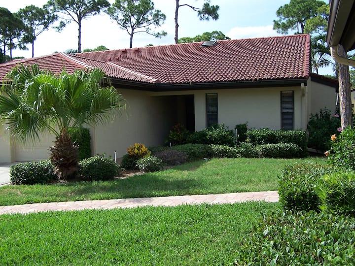 3657 Yellow Pine Ct, Sarasota, FL 34238