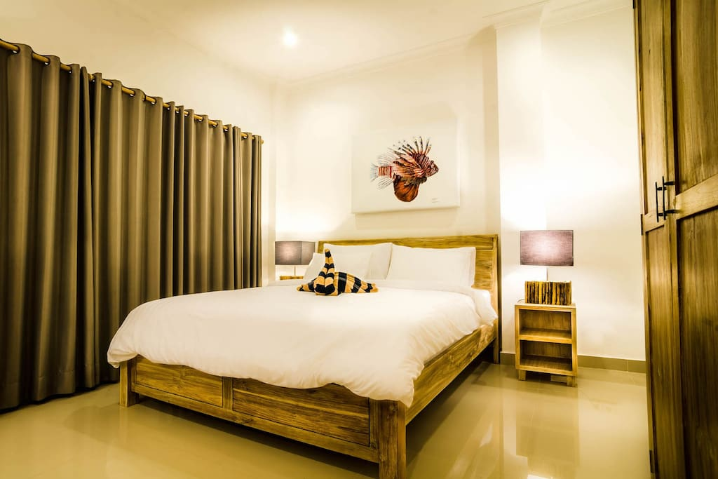 Parents double room with queen size bed