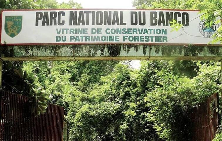 Chambre privée avec petit dejeuné a Abidjan.