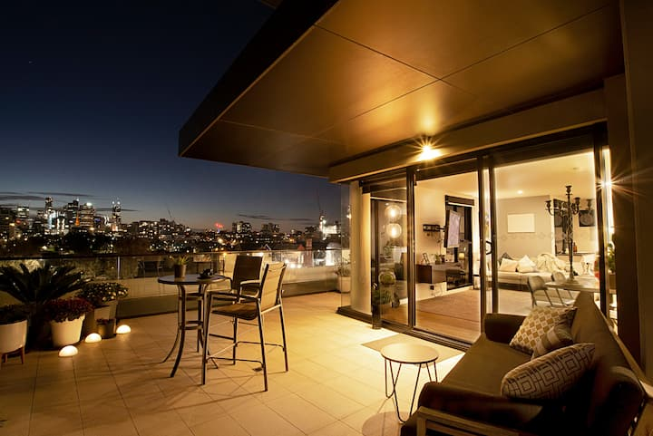 Exceptional View w Huge Balcony, Walk 2 city & MCG