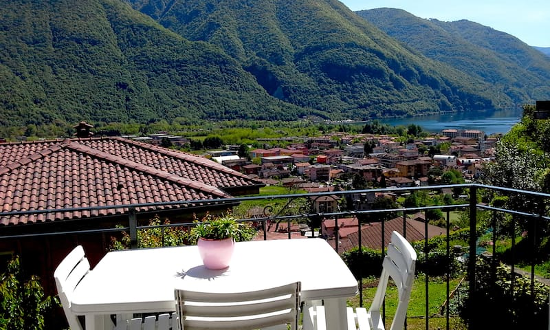 Lovely Apartment with terrace and lake view - Porlezza - Apartament