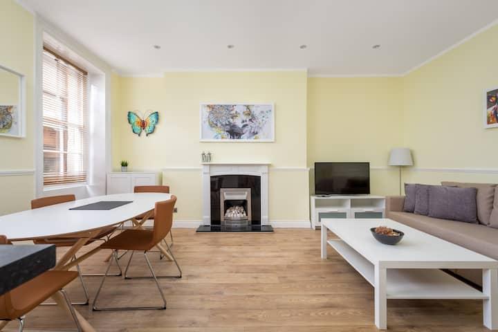 Regency Apartment Cheltenham & Free Parking