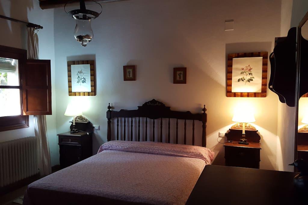 Habitación con cama de 1,50