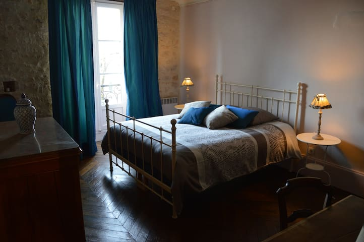 Elegant 2-bedroom apartment in central Vezelay - Vézelay - Pis